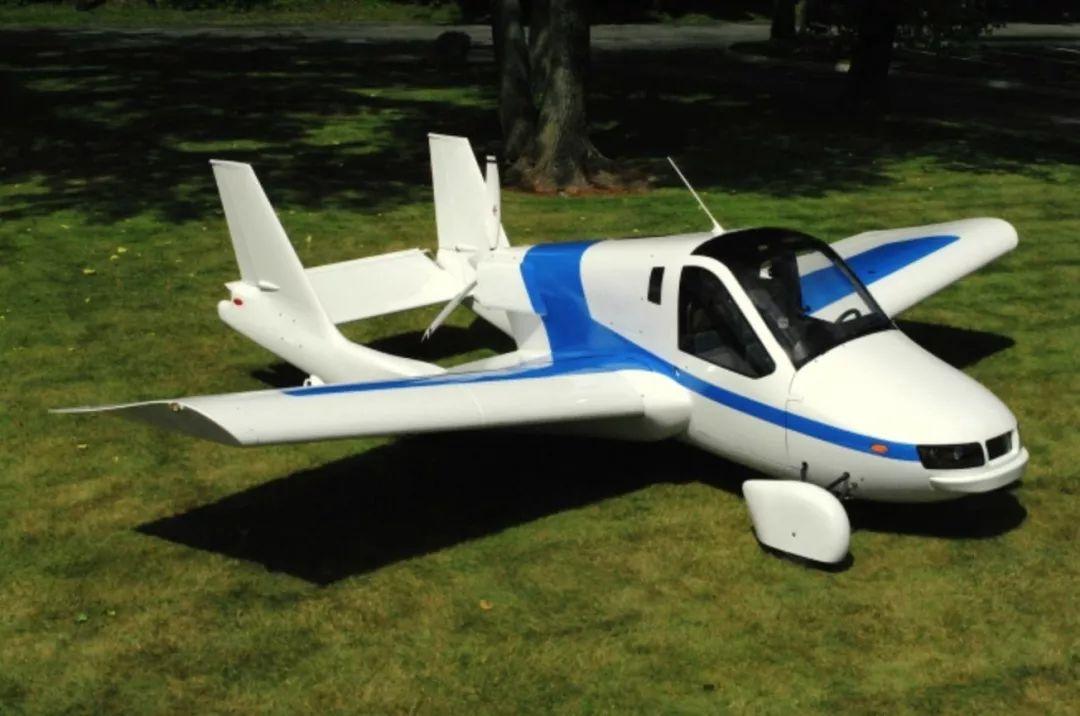 吉利旗下的Terrafugia飞行汽车